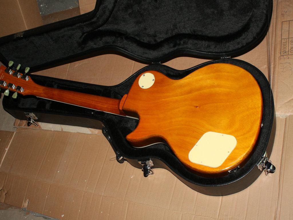 Neue Ankunfts-Schrägstrich-E-Gitarre von China A866
