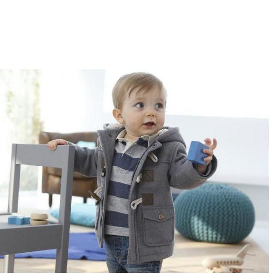 Botón de cuerno de la chaqueta del niño de invierno Los niños visten ropa de bebé Los niños cubren la ropa de los niños