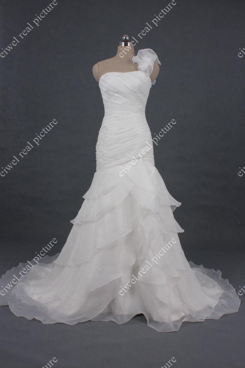One Shoulder Layered Wedding Dresses Mermaid Sweep Train Length Ruffled Wedding Gowns Bridal Dresses