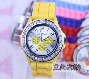 Wholesale 10pcs Geneva Diamond Decorate Jelly Candy Quartz Watches Unisex Mens Womens Silicone Watch color