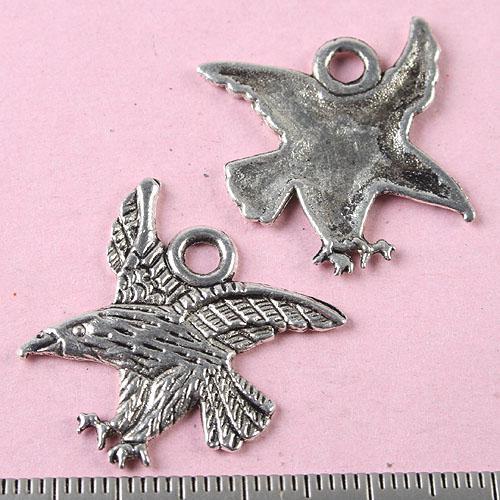 24 stks Tibetaans Zilver Flying Eagle Hangers H0164