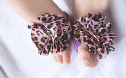Wholesale Garter Straps Wholesale - 2016 Baby Kids Foot Wear Multi Colors Toddler Flower Barefoot Foot Ties Cute Baby Infant Garter Feet Band Foot Strap 4849