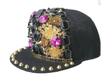 Fashion Snapback Hiphop Caps Rivet Caps Hommes Chapeaux papillons Spike Studs Golden Rivet Chapeaux Punk Hats