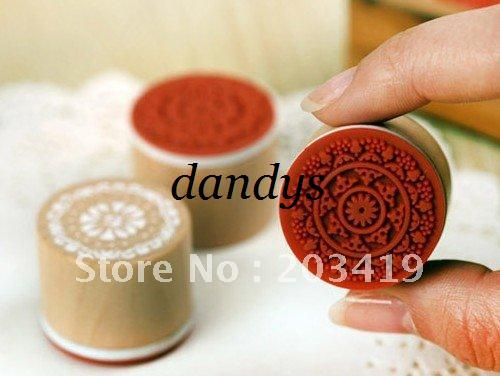 top popular wholesale retail Wooden vintage Antique round lace Stamps seal DIY diary carved gift decor craft stamp 2021