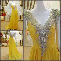 vestido ruffled amarelo venda por atacado-Luxuoso Moda Longo Vestidos de Baile de Cristal Plissado Cap mangas Amarelo pageant vestidos à noite vestido de festa Vestidos de Noite