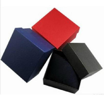Lage Prijs 8 * 8.5 * 5.5cm Mix Kleur Armbanden Box Horloge Box Gift Sieraden Doos Ketting Doos 20 Stks