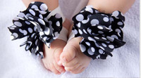 Wholesale Toddler Girl Feet - New TOP BABY slipper baby Barefoot Sandals Foot Flower Foot Ties girls Toddler flower Shoes