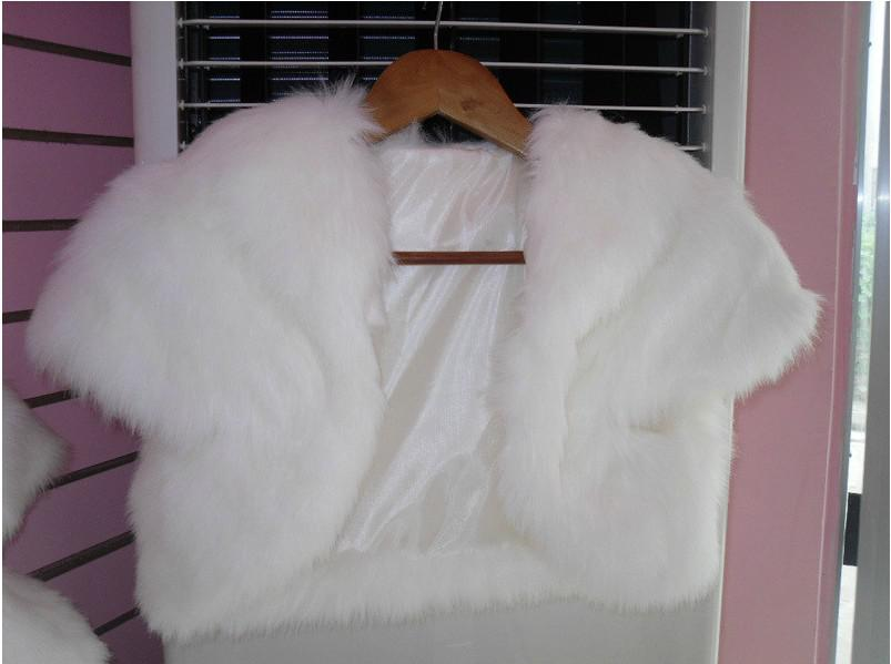 2017 2013 Cheap White Faux Fur Bridal Wraps Short Sleeves Lapel ...