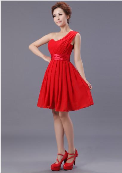 新しい安いエレガントなワンショルダーシフォンカラフルな膝の長さの花嫁介添いドレス/結婚披露宴のドレス