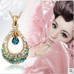 Wholesale Hollow Teardrop Pendant - Angel crystal teardrop short necklace hollow diamond water drop Pendant Necklace