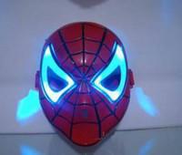 jouets spiderman bleu achat en gros de-Épaissir Cosplay Brillant Spiderman Spider Man Masque avec Blue LED yeux composent jouet pour enfants garçons