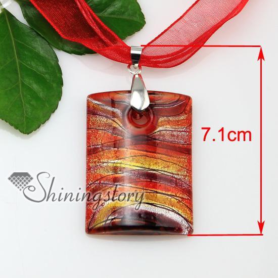 Oblong avec des lignes feuille d'argent au chalumeau italien fait main colliers en verre de murano pendentifs bijoux pas cher bijoux de mode Mup176