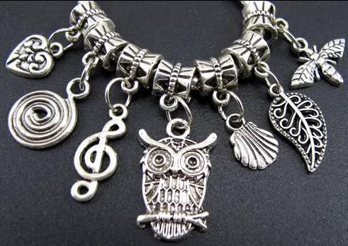 140 pz / lotto Tibetan Silver Gufo Foglie Bee Ciondola Big Hole Beads Fit Europeo Braccialetto di Fascino Gioielli FAI DA TE