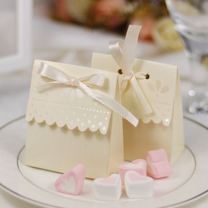100 Pcs Scalloped-Edge Ivory Candy Boxes Elegant Wedding Favors Party Gift Box