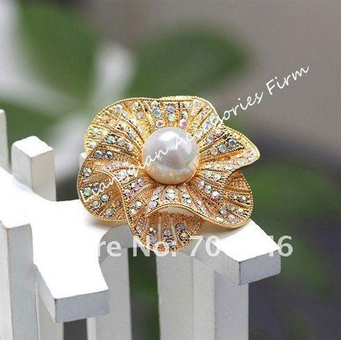 Brooch nuziale del fiore del centro della perla del Faux della perla del cristallo del Rhinestone dell'ABS di 1.7 pollici bello placcato chiaro