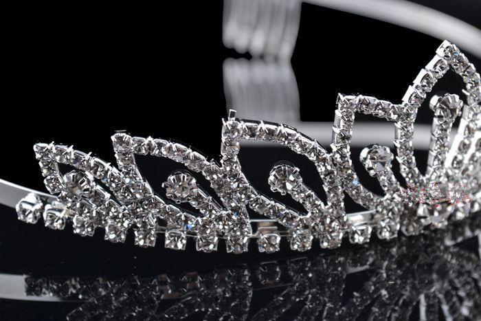 Gorgeous Magic Strass Bridal Crown Corona Tiaras Shiny Crystal Capelli Gioielli Bridal Bridal Costume Accessori Accessori feste