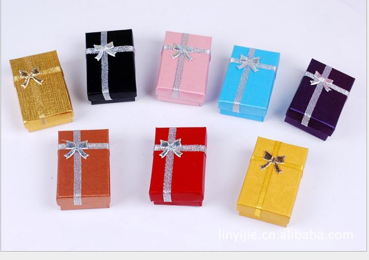 nouveau cadeau chaud Belle boîte Pendentif boucle d'oreille anneau de mode bijoux bracelet 8 * 5 * 2.5cm assortis