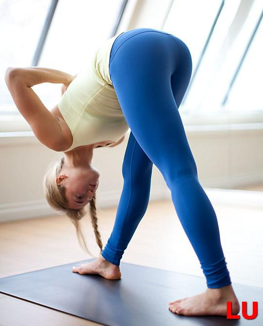 Women in yoga pants pics