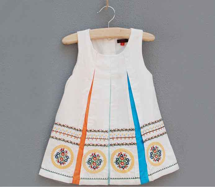 2013 New Arrival! Summer C- Girl's dress baby girls beautiful Embroidered dresses baby girls clothes