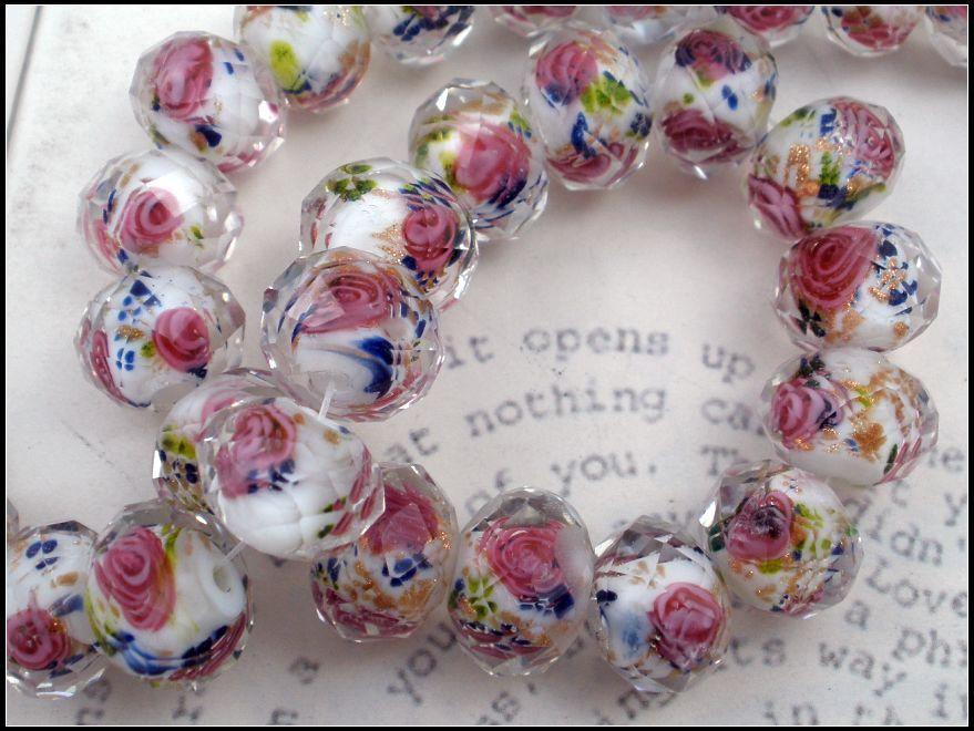 Perline di vetro lampwork Fiore rosa Royal foglie blu all'interno sfaccettata rondelle perline di vetro bianco 12mm1 13030427