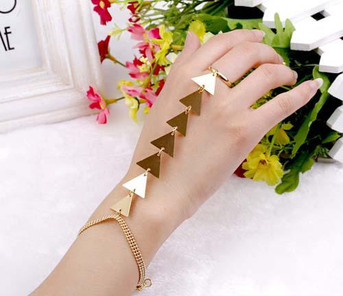 Free shipping Gold Plating Lowest price New Sexy Slave Ring Bracelet with Sparkling Punk Triangle
