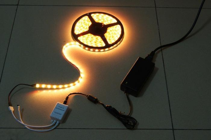 Многоцветные SMD 5050 RGB светодиодные полосы света 300led водонепроницаемый 24 ключ ИК пульт дистанционного управления + источник питания