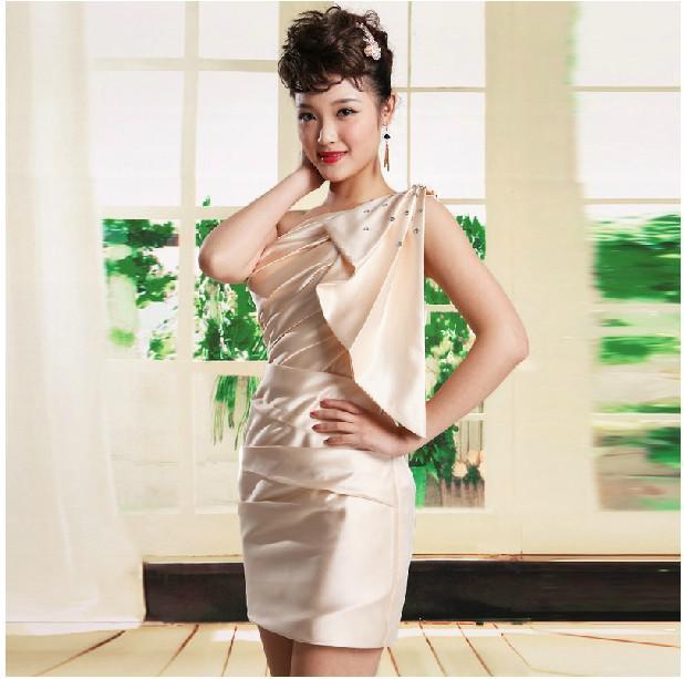 Nueva llegada ! Vestido de dama de honor con un hombro de Lady Mini Vestido de fiesta con un vestido de cóctel de noche