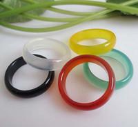 schöne jade ringe großhandel-Neue schöne glatte mehrfarbige runde feste Jade / Achat-Edelstein-Band-Ringe 6 Millimeter - großer Wert!