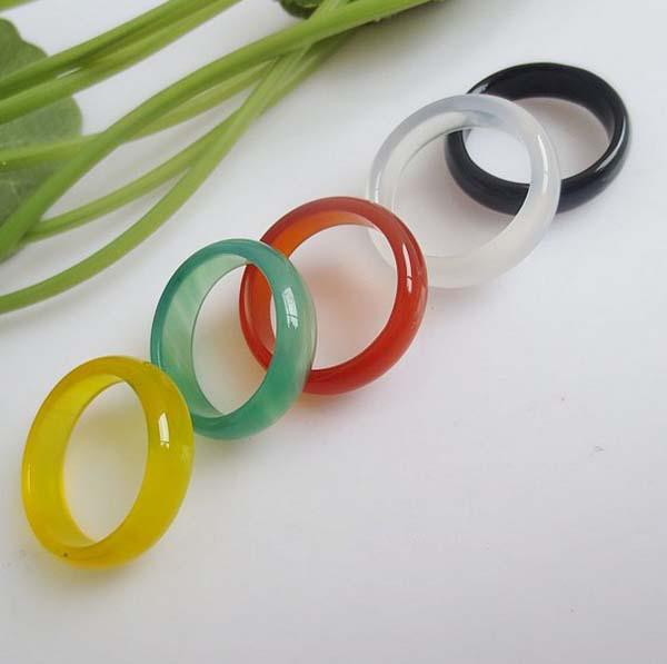 Bagues d'agate de pierre naturelle pour femmes hommes 8.50 cts 6mm noir / vert / feu rouge / bleu / blanc multicolore gemme de pierre de mariage