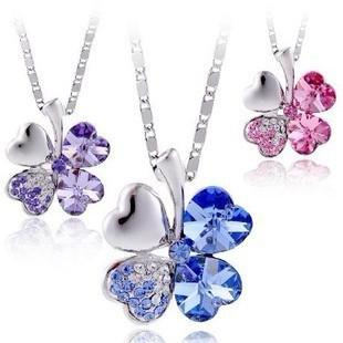 Petal necklace Tanabata gift necklace female jewelry Swarovski - Clover crystal necklace pendants female clavicle