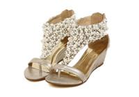 sandales de mariage romaines achat en gros de-Femmes perle romaine T-Strap Sandales compensées à bout ouvert chaussures de mariée Chaussures de mariage Pompes de soirée LL3304