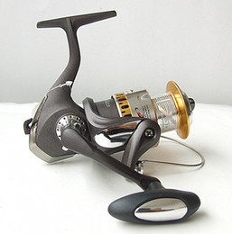 Fake Bait Canada - Spinning Casting Fishing Reel Bait Casting Reel Fishing Tackle 5+1BB gear ratio four size Matt grey