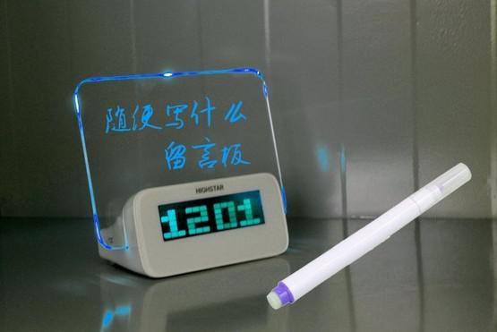 Borduhr elektronische Uhr Projektionsalarm Ruhig gelöste multifunktionale leuchtende Neonbotschaft