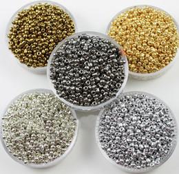 DIY ювелирных изделий Серебро/золото/белое золото покрытием цвета 3 мм чешское стекло семян распорку бусины ювелирные изделия 15000 шт.