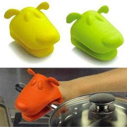 Wholesale oven design - Dog Doggie Design Pliable Silicone Pot Holder Silicone Glove Oven Mitt Free Shipping