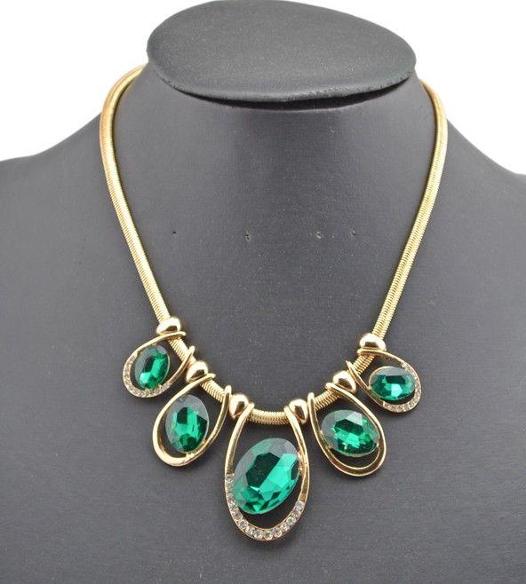 Collier de chaîne de serpent en cristal vert de style européen de style européen