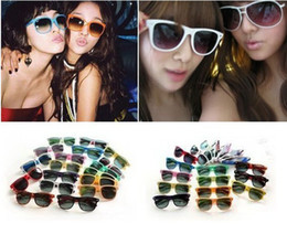 60pcs hot beach sunglasses classic style mens sun glasses womens designer sunglasses no logo mens glasses