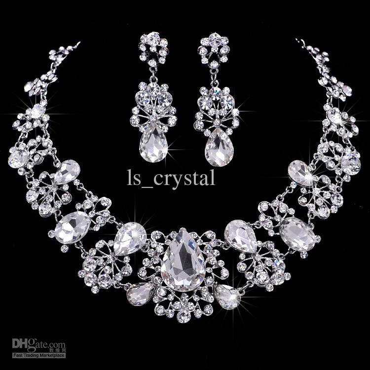 Victorian Shiny Bridal Jewelry Set Set di strass austriaco Collana di cristallo Orecchini Bridal Crown Tiara Wedding Jewlery Accessori capelli CN071