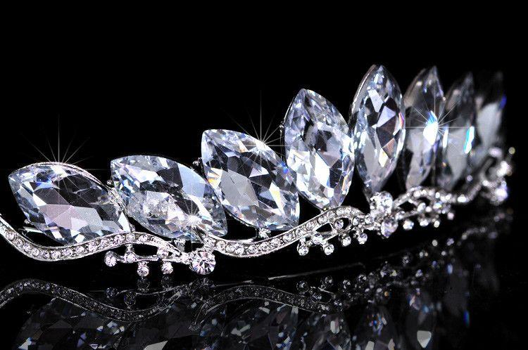 2015 New Sexy Rhinestone Crown Tiara Tiara Shiny Bridal Brid Bandand Hairband Combs Wedding Princess Women Frontlet Zewpieces Accessori capelli CE403