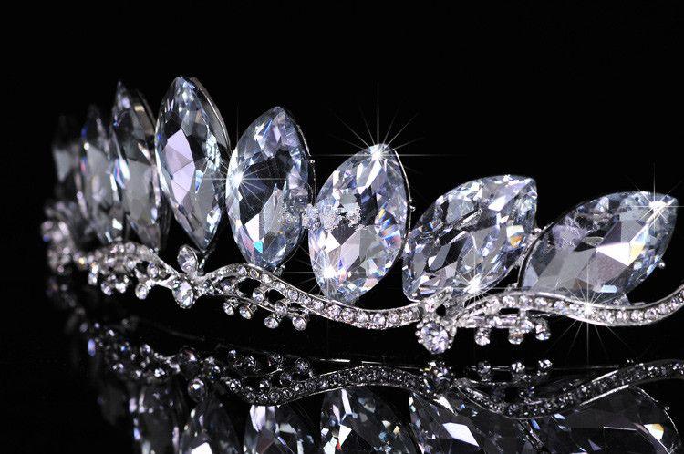 2015 جديد مثير حجر الراين تاج تيارا لامعة الزفاف عقال هيرباند كومز الزفاف الأميرة المرأة الجمعية أغطية الرأس اكسسوارات للشعر CE403