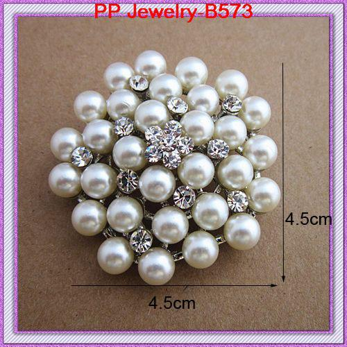 Cream Faux Pearl Big Snowflake Flower Crystal Brooch Europe And USA Fashion Wedding Brooch Hot Selling Lady Hijab Wear Pins