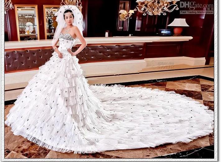 2012 Newest Design Bridal Dream Wedding Dress Sweetheart Crystal