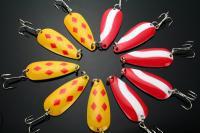Ami da pesca con cucchiai da pesca 10g