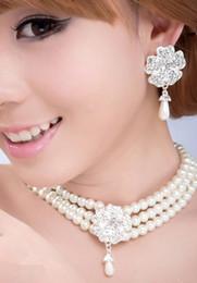 2019 asiatische brautschmucksachen Mode Braut Halskette Ohrringe Armband Schmuck Set Perle Strass Hochzeit Schmuck Braut Kostüm Zubehör Party Festliche Lieferungen rabatt asiatische brautschmucksachen