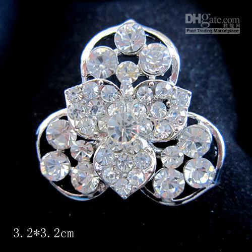 Spilla fiore in cristallo placcato argento con strass Clea