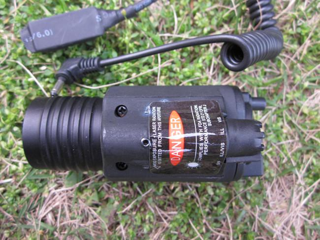 크리 어 LED와 전술 M6 레이저 손전등 airsoft / 사용