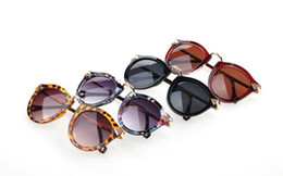 Wholesale Trendy Shades - 2013 New Trendy Designer Rounded P3 Women Sunglasses Shades with Metal Arms Retro Arrows Sunglasses