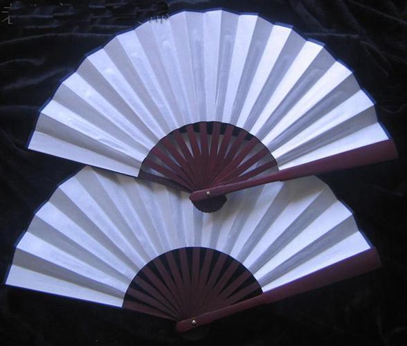 DIY Grande main tenue rouge d'or blanc en soie noire Fan pliante Tissu Fan Art pictural Programme de mariage des hommes chinois Fan cadeaux