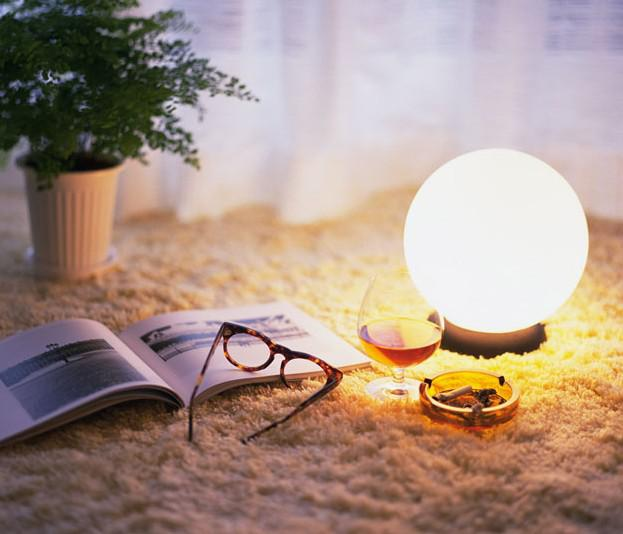 2018 Modern Minimalist Personality Fashion Glass Ball Table Lamp Bedroom  Bedside Desk Lamp Dia 50cm From Crystalk9, $62.19 | Dhgate.Com