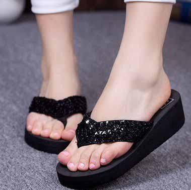 bcedcd3c9e9ee girls Summer leisure Sandals Swinging heavy-bottomed Flip Flops Sequin  beach Slippers black  5143